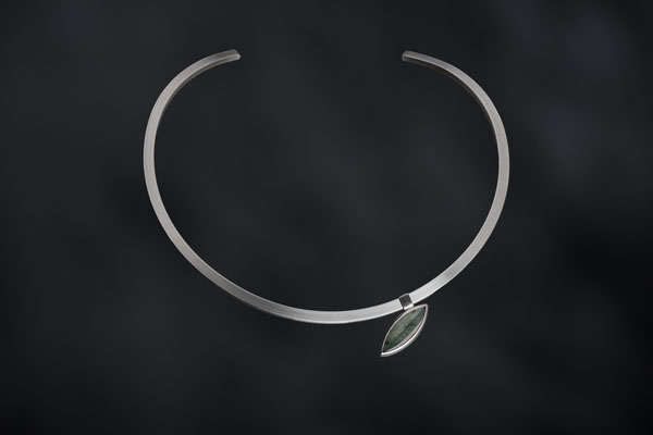 Artikelnummer 7053 - 925/- Silber, hohl, Anhänger : Silber und  Aktinolith , zum Aufschieben