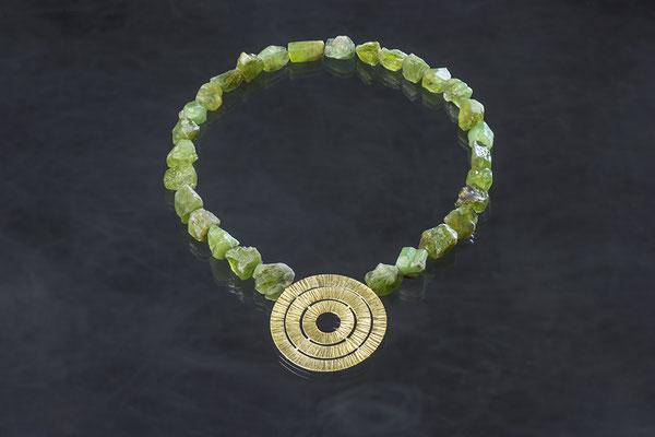 Artikelnummer 1862 - 900/- Gelbgold, 925/- Silber, Peridotbrocken