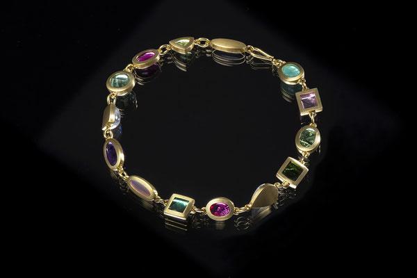 Artikelnummer 2607 - 750/- Gelbgold,  Fluorit, Peridot, Mondsteine, grüne und rosa Turmaline