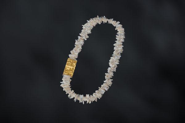 Artikelnummer 9163 - Perlen, Plexi, Blattgold
