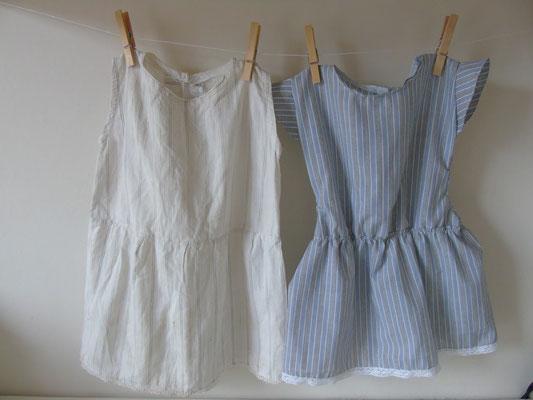 Links het antieke Franse jurkje, rechts het nagemaakte jurkje