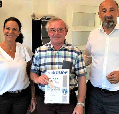 Günter Vogel erhält die Silberne Ehrennadel mit Lorbeer für 40 Jahre Mitgliedschaft