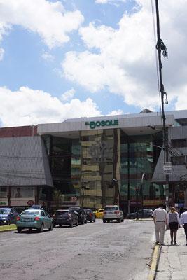 """Einkaufszentrum """"El Bosque"""""""