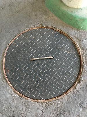 店舗敷地内 排水溝蓋