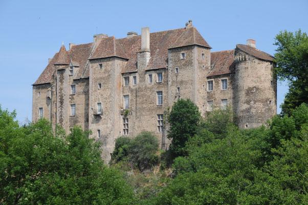 Château de Boussac : façade sur le ravin de la Petite Creuse