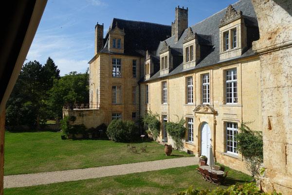 Le château de Sauveboeuf : la façade