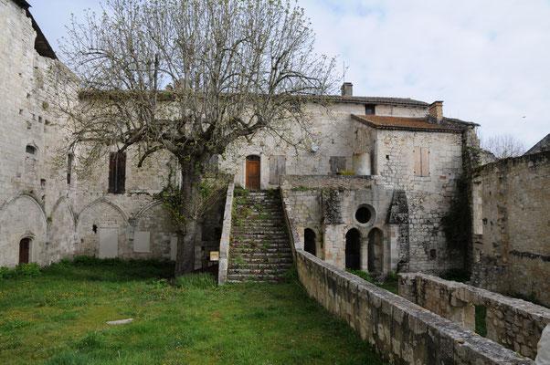Abbaye de Saint-Maurin : vestiges de l'aile Nord du cloître