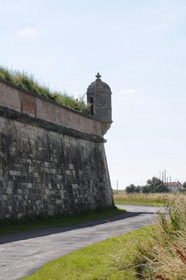 Brouage : échauguette à l'angle des remparts