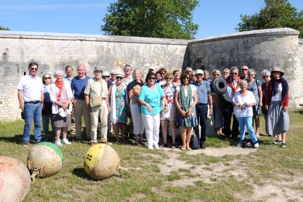 L'Île d'Aix : photo de famille des Amis du Pastourais