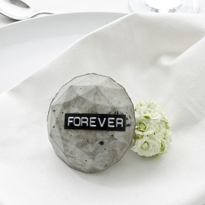 Concrete Diamond Table Setting & Party Favour