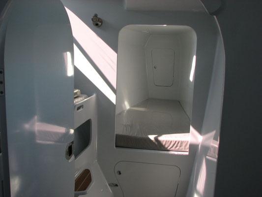 Barefoot 40 catamaran interior image 5