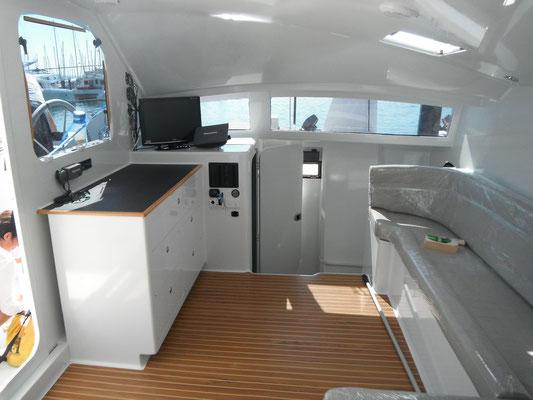 Barefoot 40 catamaran interior image 3