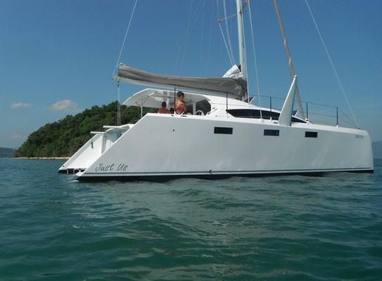 Barefoot 40 catamaran Image 1