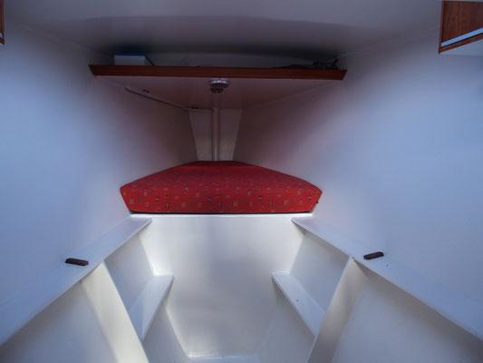 Trimaran Libra Volonte Interior-02
