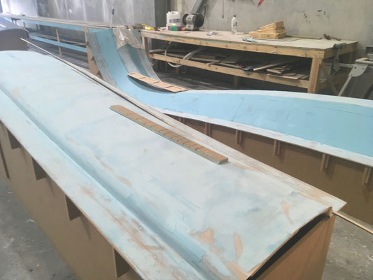 R42 trimaran build photo-03