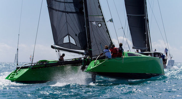 Barefoot Racing in the Whitsunday Islands pic-04