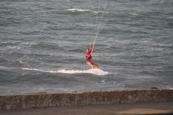 Kitesurfing  along the city walls