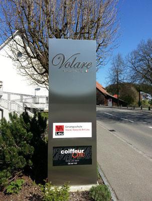 Gesangsschule in Waltenschwil, Pylone
