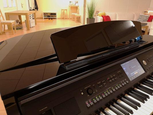 Yamaha Clavinova CVP-609 Grand Piano
