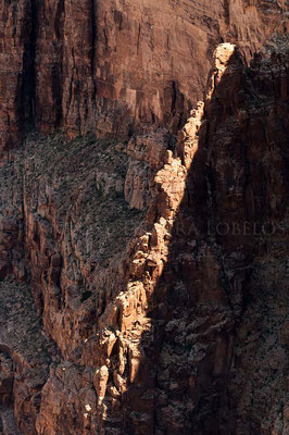 Diagonal de luz en Little Colorado River