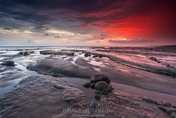 Atardecer en playa Sirena, parque nacional Corcovado.
