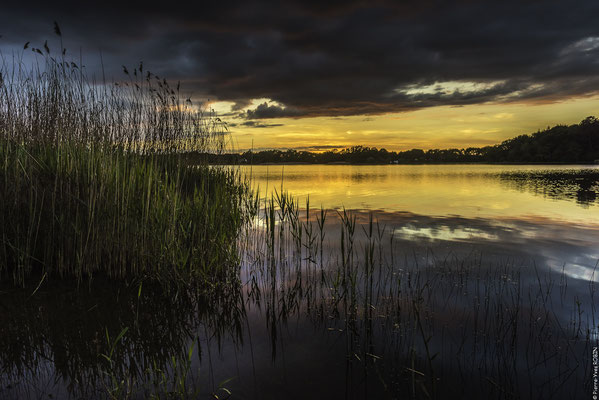 Crépuscule au lac au duc Ploërmel