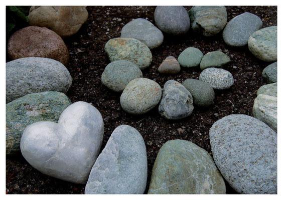 Steinspirale mit Herz Nr. 25