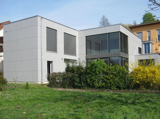 Schmitt Architektur Heidelberg - Neubau KFW Effizienzhaus 55 Standard (ENEV 2009) - in Weingarten / Baden Gartenansicht