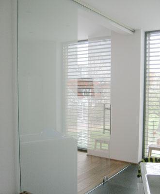 Schmitt Architektur Heidelberg - Neubau KFW Effizienzhaus 55 Standard (ENEV 2009) - in Weingarten / Baden - Badezimmer