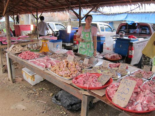 Bang Niang Market