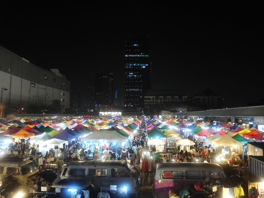 Ratchada Night Market / Nachtmarkt in Bangkok