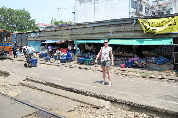 Mahachai Train Market