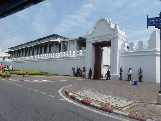 Eingang Königspalast Bangkok