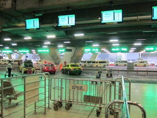 Taxistand Bangkok Flughafen