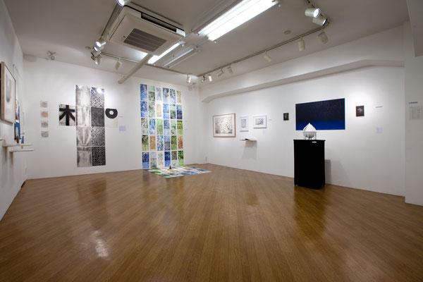 Center/中 Masato Nagai/永井雅人  「シルクロードの光 敦煌の色」銅版画、モノタイプ、デジタルプリント、和紙、アクリル、水彩 2016年
