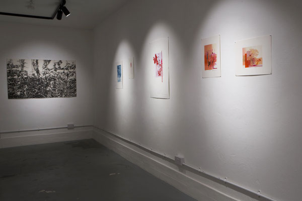 etching works by Masato Nagai    right:etching works by Miyuki Okawa  and screen print works by Yoshie Uchida