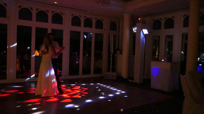 Hochzeit im Resort Schwielowsee mit Herzen als Effekt