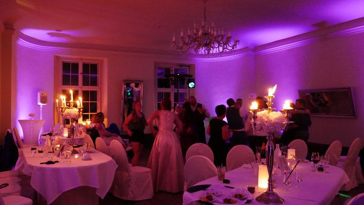 Tanz im kleinen Saal des Schloss Kartzow