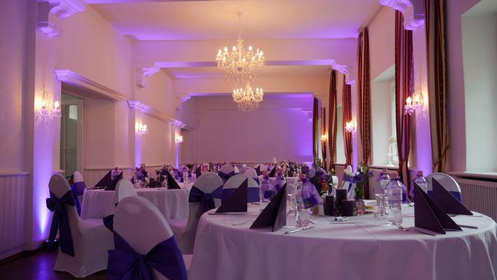 Ratsschänke im Ratskeller Reinickendorf - Anpassung der Wallwasher an die Farben der Hochzeit