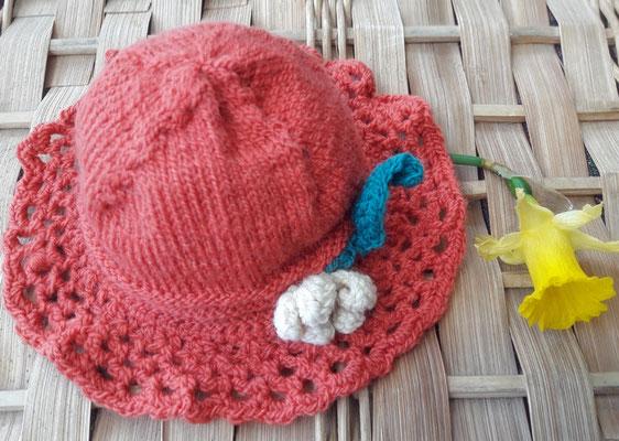 Bonnet printemps Épervière, 1er âge par Isa L.