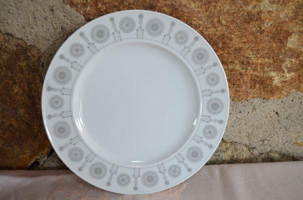 Kuchen-/Brotzeitteller, Rosenthal Variation, graue Sonne. Designer: Tapio Wirkkala. Etwa 1960er Jahre. Je Stück 6,00 €