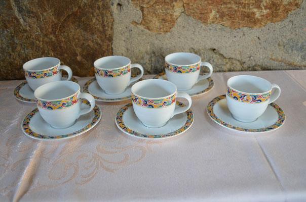 6 Porzellan Espressotassen mit Untertassen der Marke Sophienthal. Preis: 19,90 €