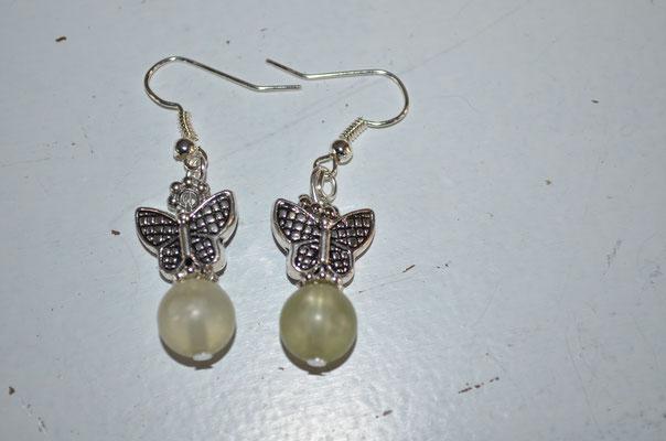 Metall Ohrringe mit Kunststoff Perlen. Unikat, Handarbeit, Design by Zeitzeugen-Manufactur. 3,50 €