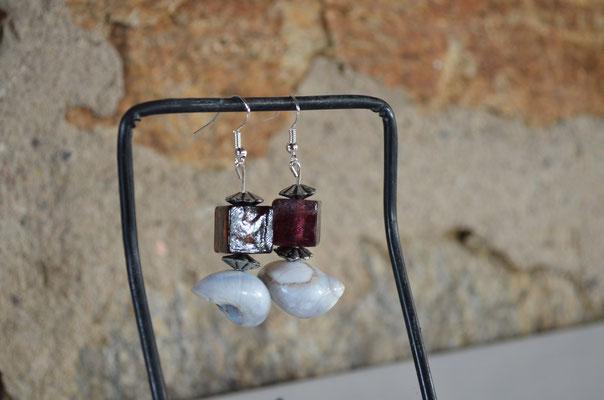 Unikat Modeschmuck Ohrringe. Designt by Zeitzeugen-Manufactur. Aus Glasperlen, Schneckenhäuser und Metall. 4,50 €
