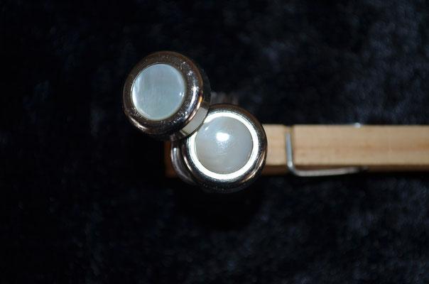 Ring aus Aludraht und Musterknöpfen. Design by Zeitzeugen-Manufactur. Unikat, Handarbeit, 4,50 €