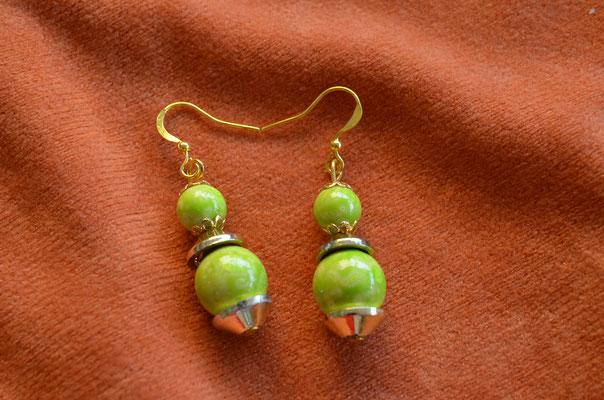Modeschmuck Ohrringe, Unikat, Handarbeit mit Keramik Perlen. Design by Zeitzeugen-Manufactur. Preis: 3,20 €