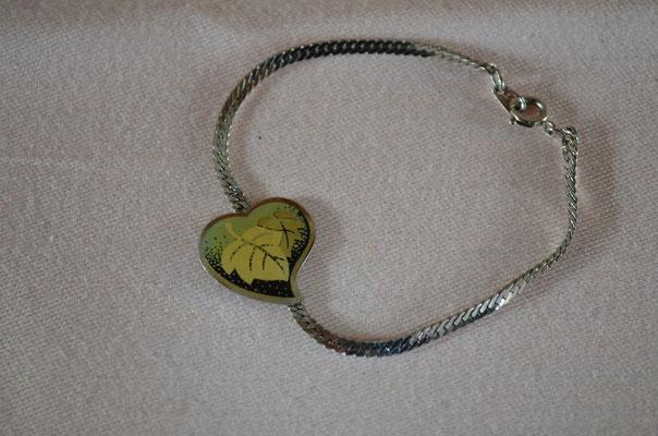 Modeschmuck Armband mit Blättermotiv. Neuwertiger Zustande. Preis: 2,00 €