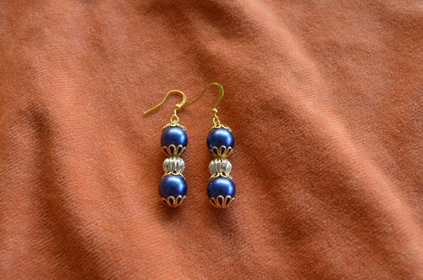 Modeschmuck Ohrhänger, Unikat mit Kunststoff Perlen. Handarbeit, Design by Zeitzeugen-Manufactur. Preis: 3,20 €