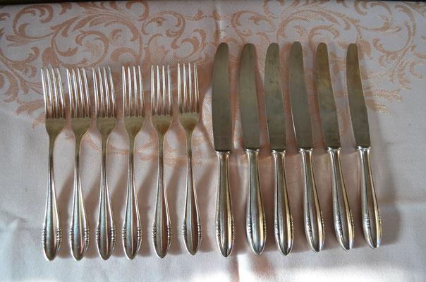 BSF Besteck Platura. 6 Gabeln und 6 Messer. 90 Silberauflage. Preis: 39,90 €