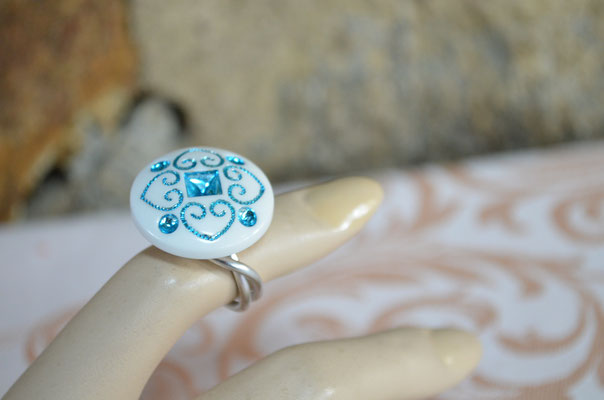Ring aus Aludraht und einem Musterknopf. Design by Zeitzeugen-Manufactur. Unikat, Handarbeit, 4,00 €